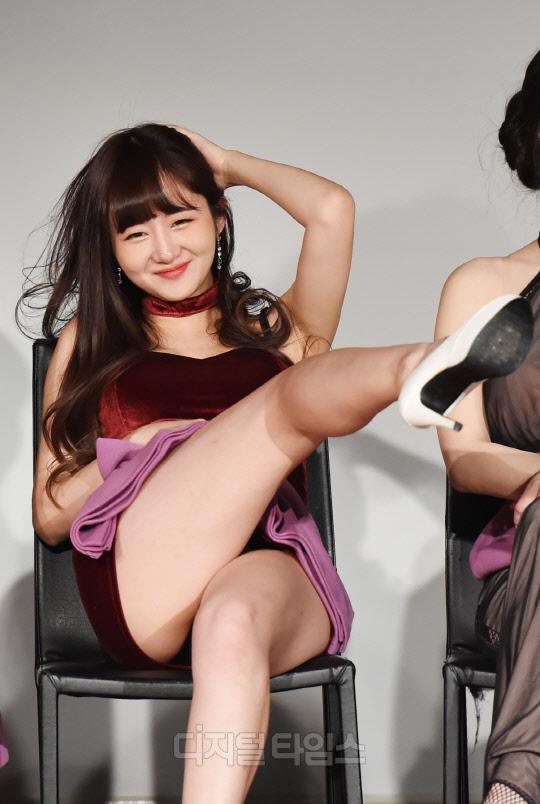 [포토]미스맥심 한지나, 한국의 샤론스톤